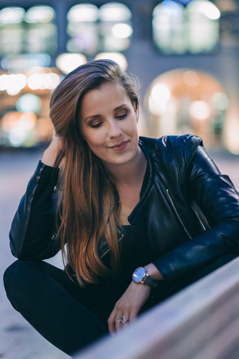 Astrid Hagenah   Musicaldarstellerin, Tänzerin & Sängerin